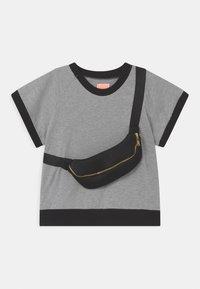 WAUW CAPOW by Bangbang Copenhagen - RAY UNISEX - Print T-shirt - grey - 0