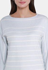 usha - Trui - light blue/off-white - 3