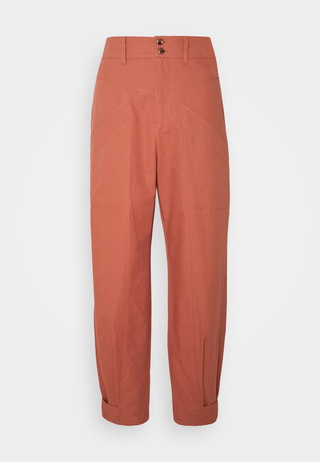 DOBBY - Pantalon classique - copper brown
