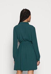 Anna Field - BELTED BLOUSE DRESS - Sukienka koszulowa - dark green - 2