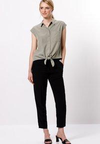 zero - Button-down blouse - sage - 1