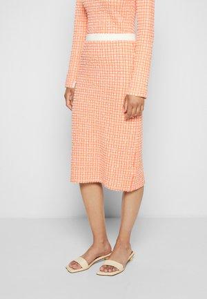 PULL ON COLUMN SKIRT - Spódnica ołówkowa  - cantaloupe orange