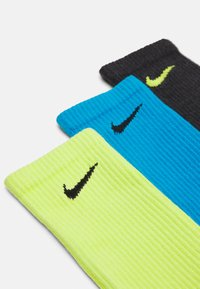 Nike Performance - EVERYDAY PLUS CUSH CREW 3 PACK UNISEX - Calcetines de deporte - cyber)/laser blue/black heather - 1
