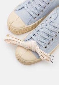 US Rubber Company - UNISEX - Sneakersy niskie - light blue - 5