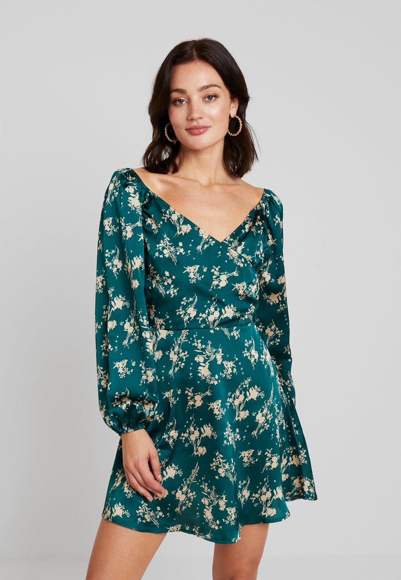 Missguided - FLORAL WRAP TOP PUFF SLEEVE MINI DRESS - Freizeitkleid - green