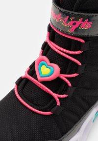 Skechers - SWEETHEART LIGHTS - Veterboots - black/hot pink - 5
