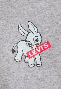 Levi's® - VINTAGE RAGLAN CREW - Felpa - heather grey - 5