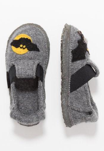 BATS - Slippers - mittelgrau