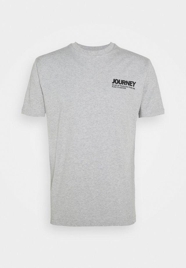 AARHUS  - T-shirt con stampa - grey melange