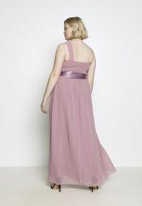 Dorothy Perkins Curve - SADIE SHOULDER DRESS - Společenské šaty - dark rose - 2