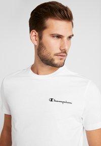 Champion - CREWNECK  - T-shirts print - white - 3