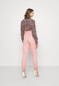 Miss Selfridge - TROUSER - Trousers - pink - 2
