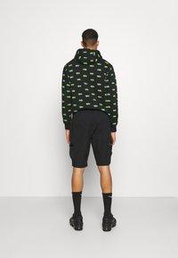 Nike Sportswear - CITY MADE - Shorts - black/black - 2
