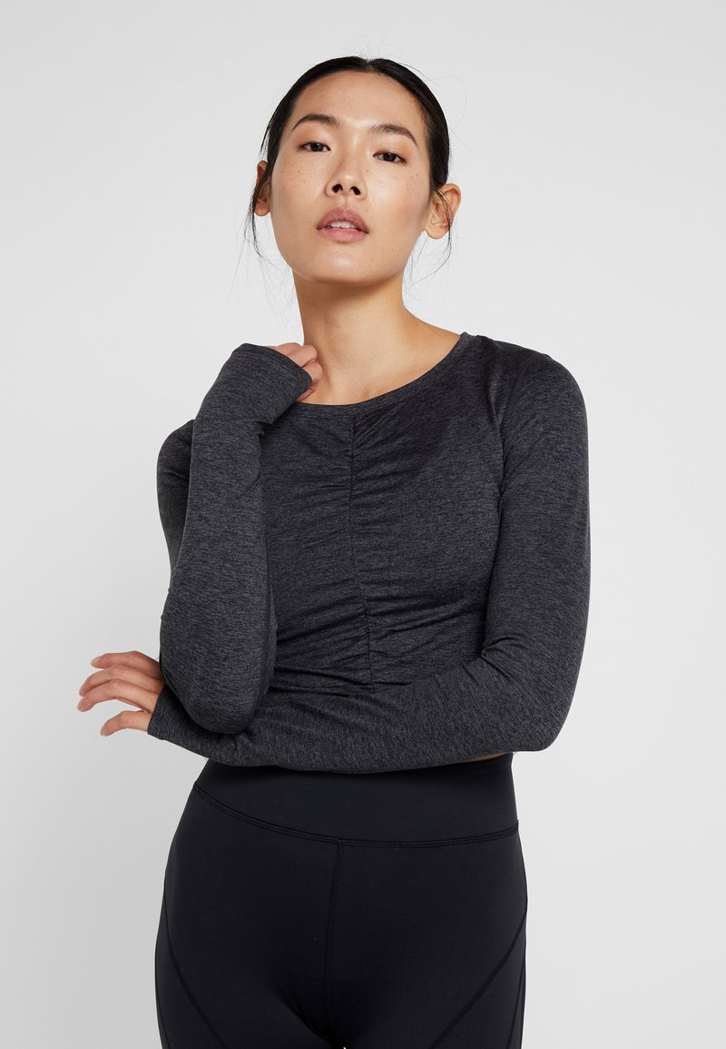 Free People - FP MOVEMENT SWERVE LONG SLEEVE LAYER - T-shirt à manches longues - carbon