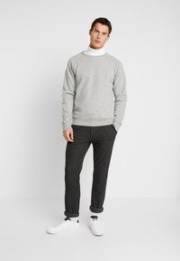 Pier One - 2 PACK - Sweatshirt - mottled light grey/black - 1