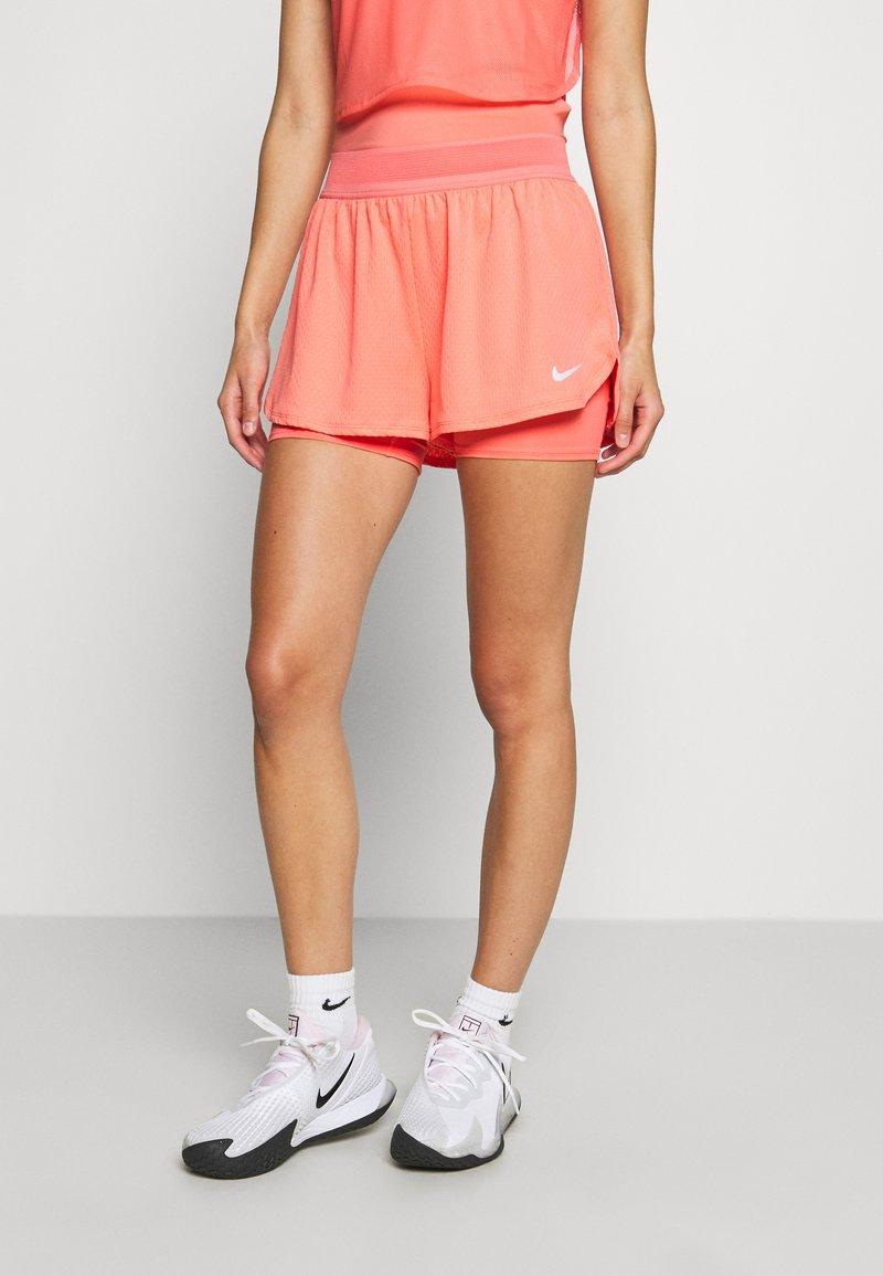 Nike Performance - DRY SHORT - Pantalón corto de deporte - sunblush/white