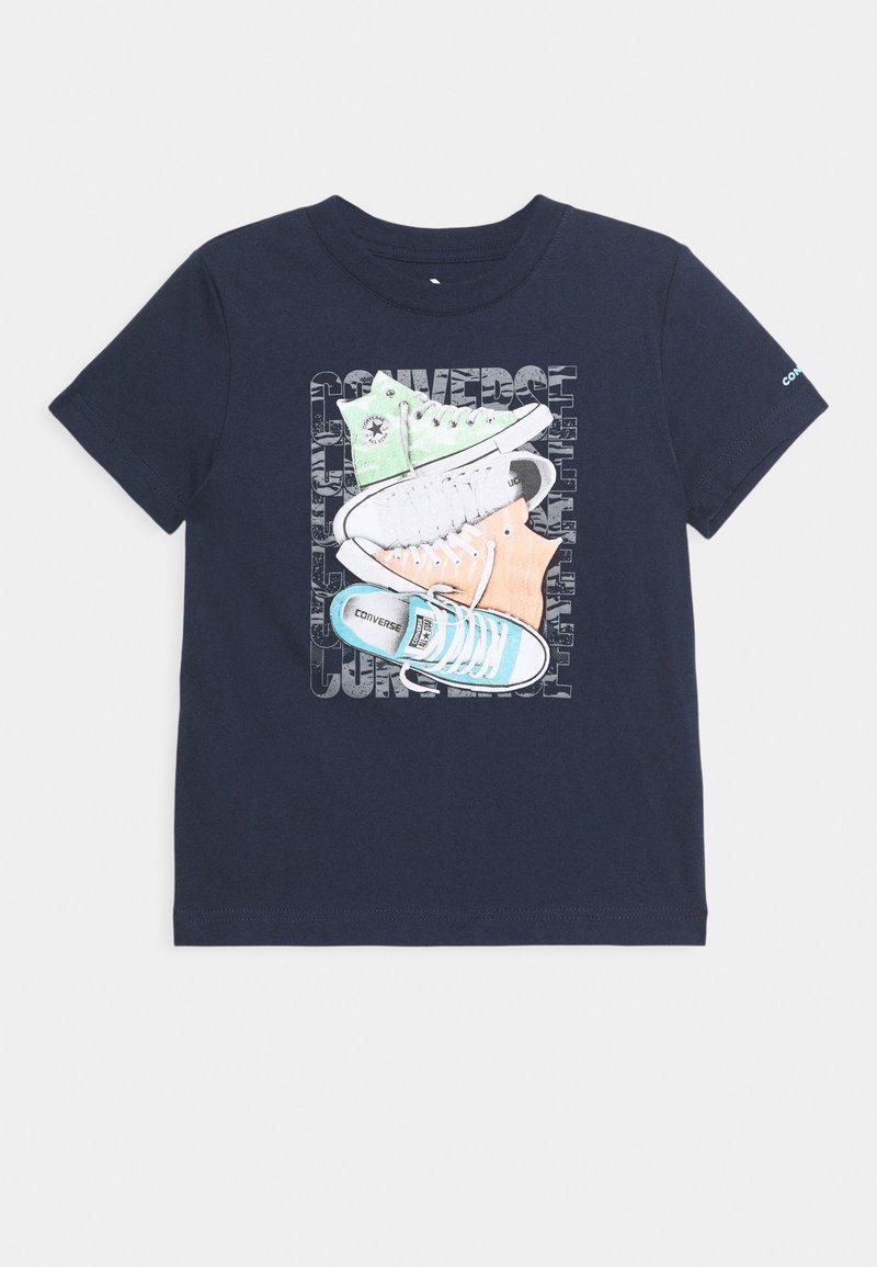 Converse - SHORT SLEEVE CHUCK TAYLOR GRAPHIC UNISEX - Camiseta estampada - obsidian