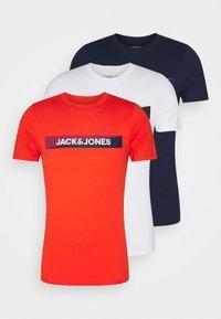Jack & Jones - JACTREVOR TEE 3 PACK - Pyjama top - fiesta/white/navy blazer - 0