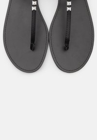 PARFOIS - T-bar sandals - black - 5