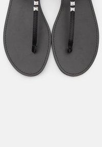 PARFOIS - Sandály s odděleným palcem - black - 5