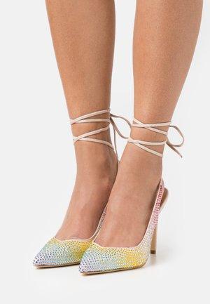 DECOLLETE ALTO ALLACCIATA CAVIGLIA - Lace-up heels - rainbow