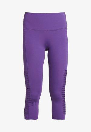CAPRI TWIST - 3/4 sports trousers - plum jam