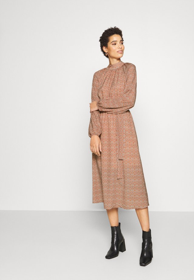 Korte jurk - mustard