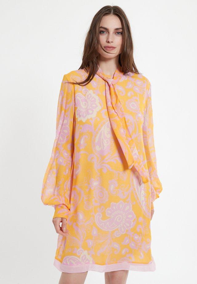 CHAMY - Robe d'été - orange
