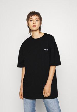 BOYFRIEND TEE - Basic T-shirt - black