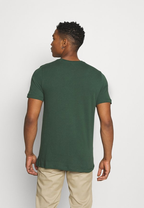Nike Sportswear TEE MONTH - T-shirt z nadrukiem - galactic jade/sea glass/oliwkowy Odzież Męska CDYV