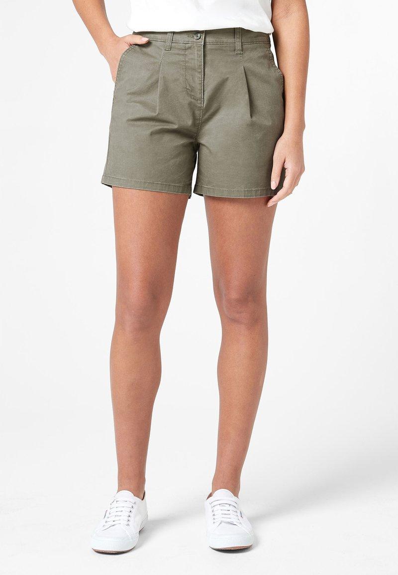 Next - BERRY - Shorts - green