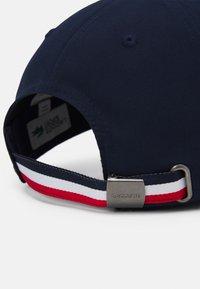 Lacoste Sport - OLYMP UNISEX - Lippalakki - navy blue/white red - 3