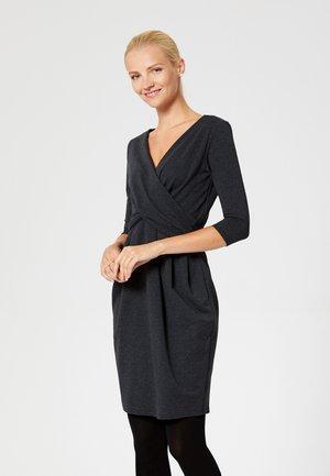 Pouzdrové šaty - grey