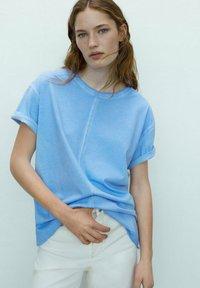 Massimo Dutti - Basic T-shirt - blue - 0