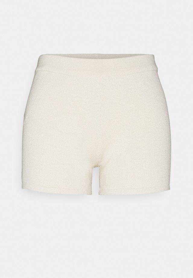 PCTRINA - Shorts - buttercream