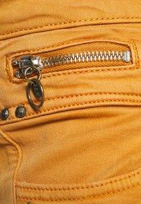 Freeman T. Porter - ALEXA NEW MAGIC COLOR - Jeans Skinny Fit - pumpskin spice - 2