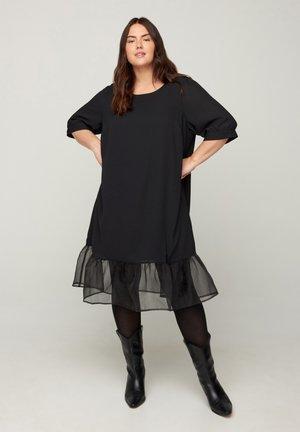 MIT PUFFÄRMELN - Day dress - black