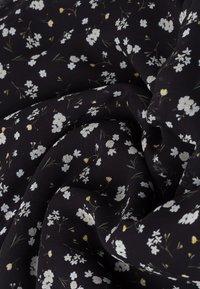 IVY & OAK - Maxi dress - aop- black - 5