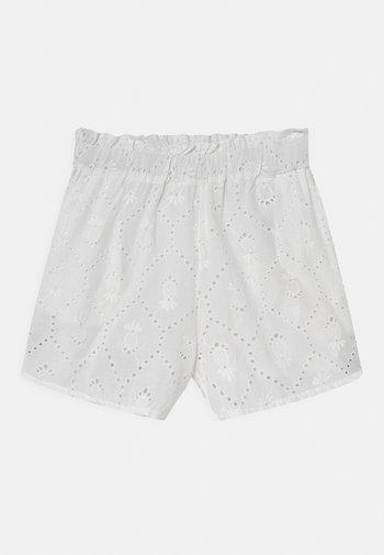 NKFHUDITH  - Shorts - bright white