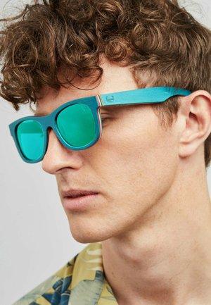 WYLDE  - Sunglasses - blue