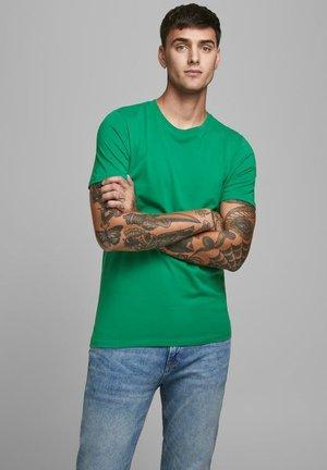 Camiseta básica - verdant green