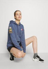 The North Face - NOVELTY PATCH HOODIE  - Sweatshirt - vintage indigo - 1