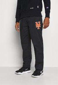 Champion - MLB PREMIUM NEW YORK METS STRAIGHT HEM PANTS - Club wear - black - 0