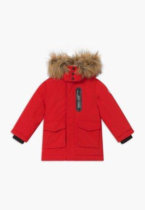 Zimní kabát - deep red
