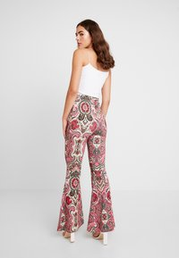 Free People - HARPER PRINTED PULL ON - Trousers - pink - 3