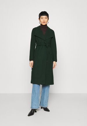 GLOSSY COLLAR COAT - Classic coat - green