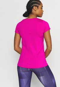 Under Armour - Camiseta básica - meteor pink - 2