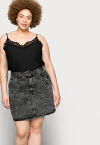 Glamorous Curve - MINI SKIRT WITH BELT - Mini skirt - black - 3