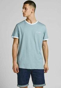 Jack & Jones - 3 PACK - Print T-shirt - white - 2