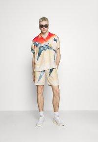 PRAY - STAR UNISEX - Shirt - multi-coloured - 1